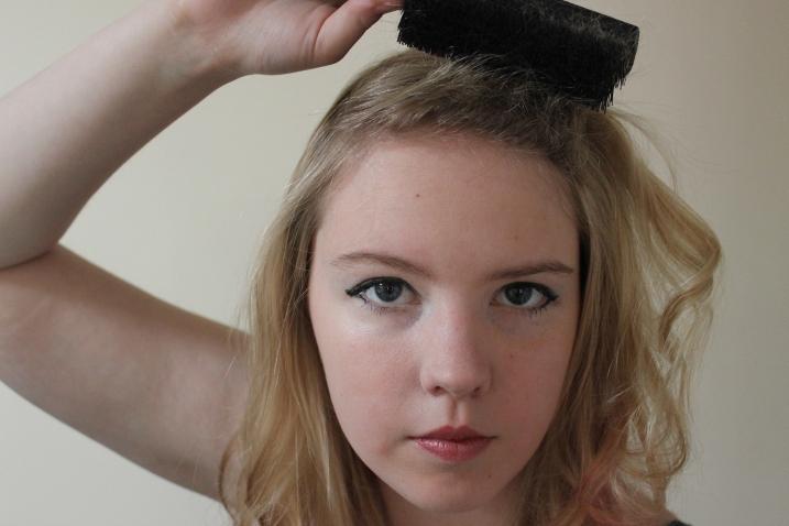 veronica lake hair tutorial